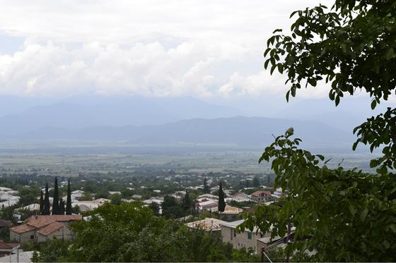 Вид на Алазанскую долину из центра Телави