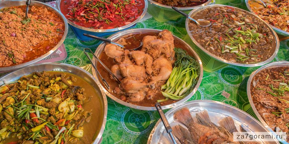 Еда на рынке в Аонанге