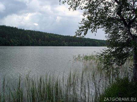 озеро Долгое, между посёлками Борисово и Мичуринское