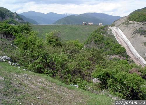 Плотина Жинвальской ГЭС