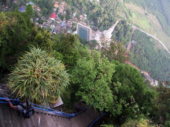 Подъём на гору с Буддой Краби