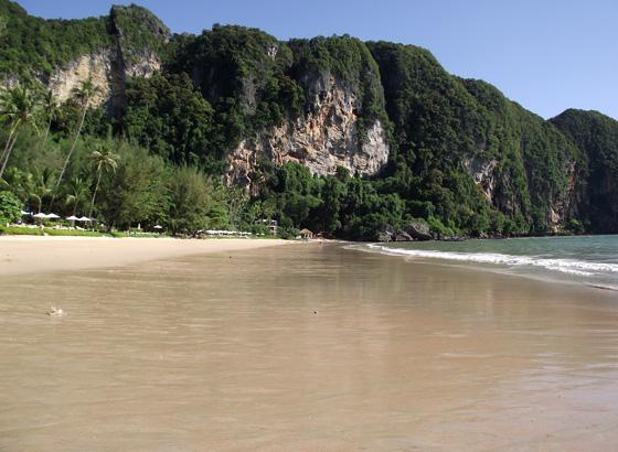 Пляж Ао Пай Плонг в Ао Нанге