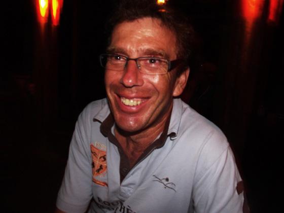 на вечеринке в краби-тауна, тайланд