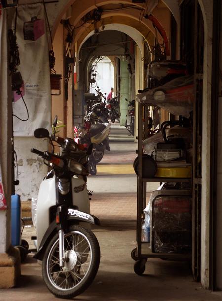 лебух чулиа - улица недорогих гостиниц и ресторанов