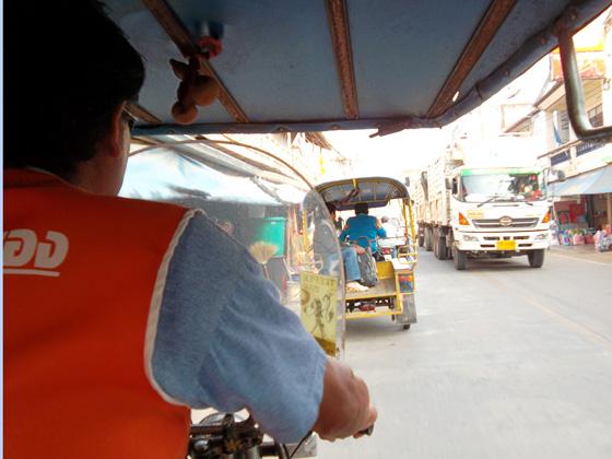 на тук-туке с автовокзала чианг кхонг до границы Таиланда и Лаоса