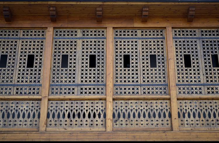 экстерьер дома под крепостью рабат в ахалцихе