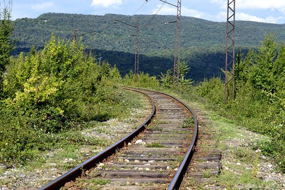 железная дорога у монастыря моцамета