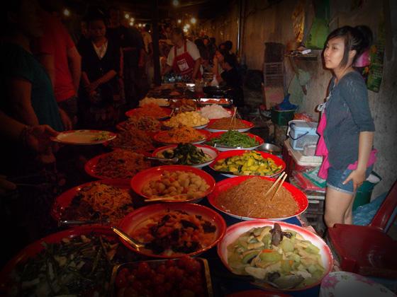 сколько стоит еда в лаосе