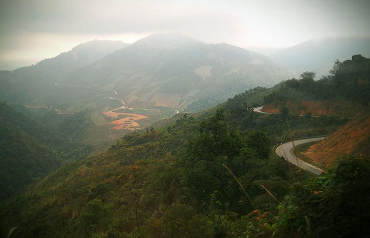 из лаоса во вьетнам