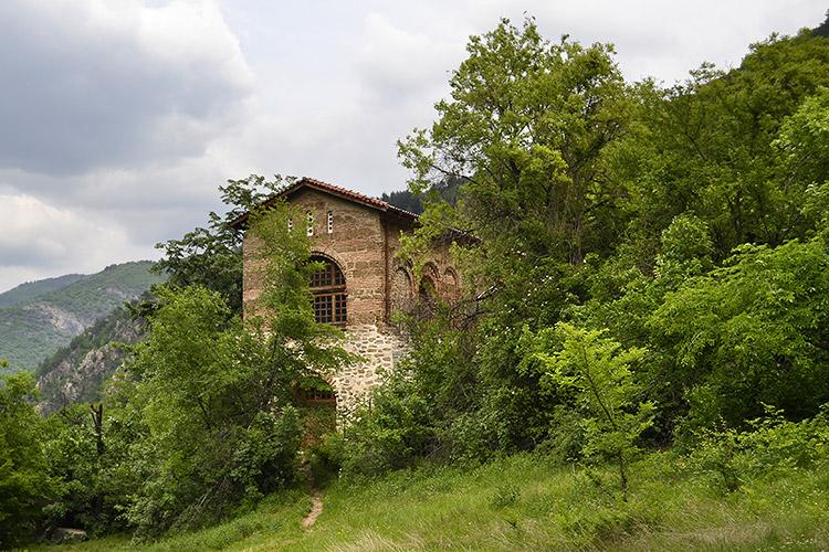 костница, бачковский монастырь