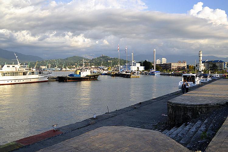 Батумская бухта