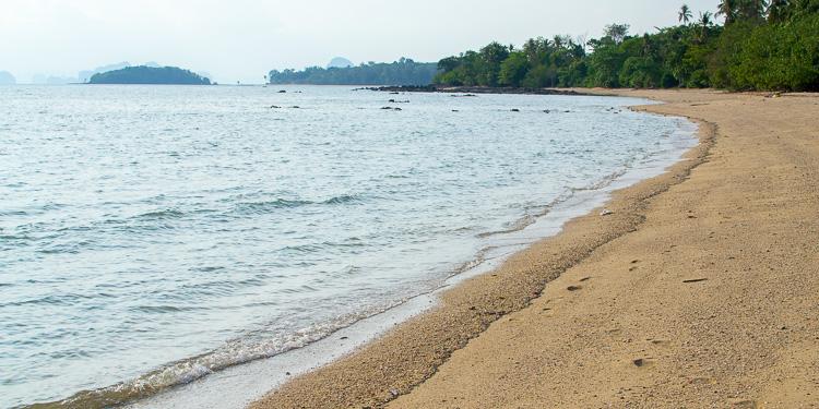 Пляж южнее Клонг-Муанга, Краби