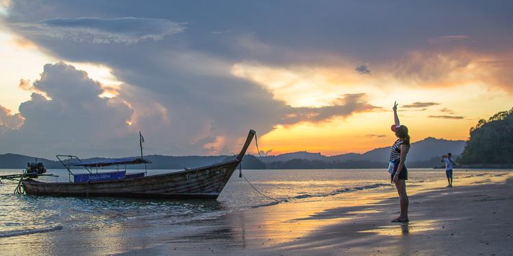 Закат в Аонанге