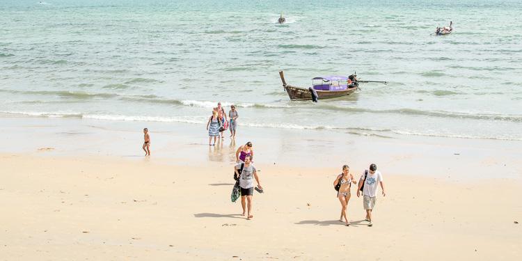Море в Краби в мае