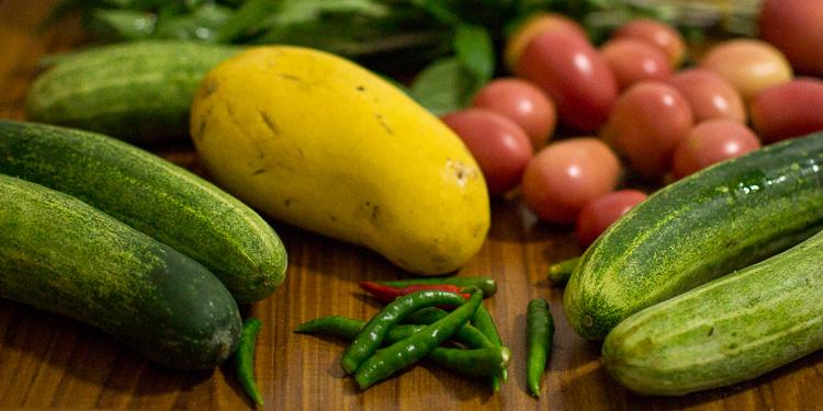 Овощи и манго