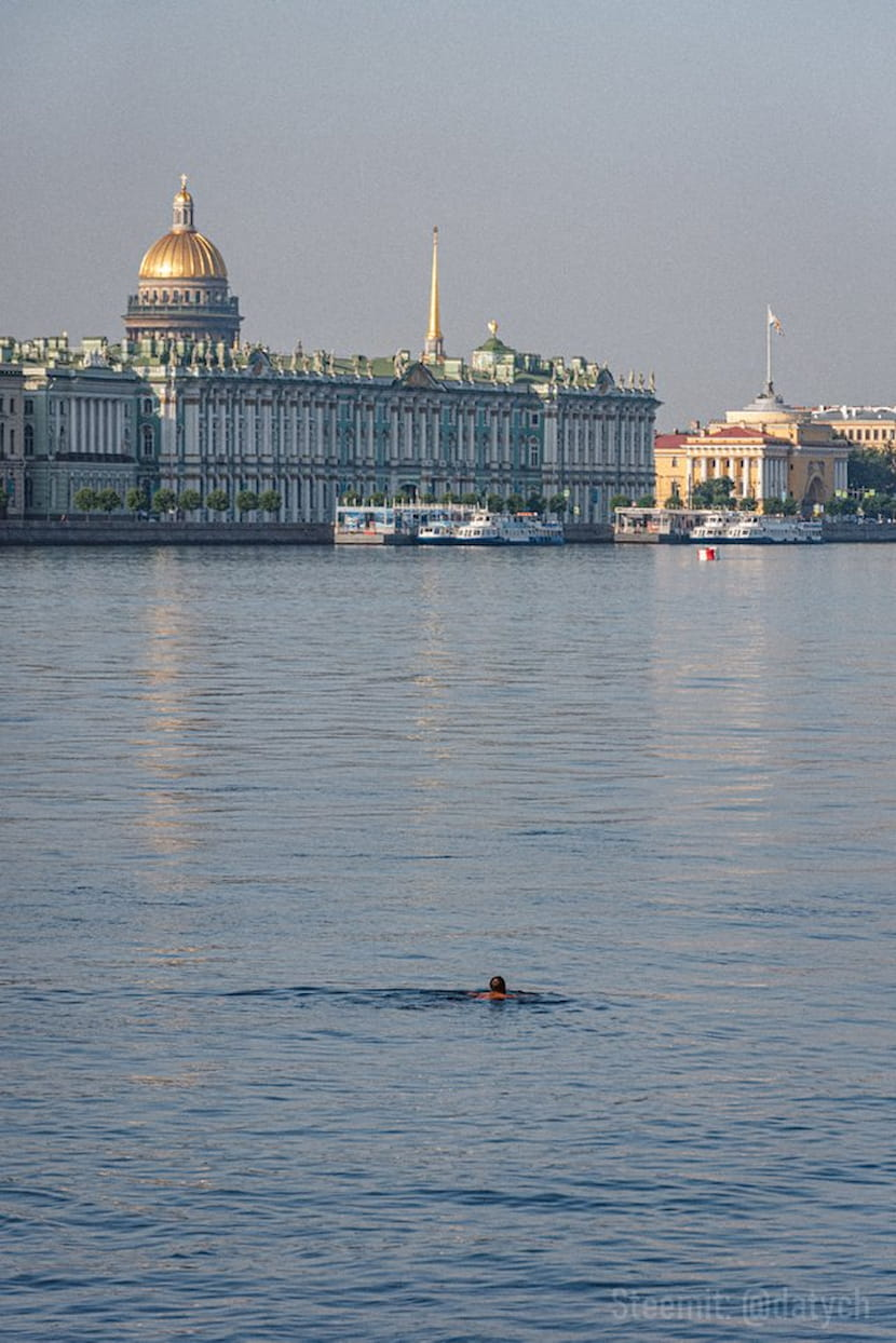 Купание у Петропавловской крепости, Санкт-Петербург