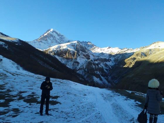 Гора Казбек зимой