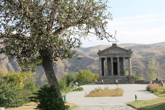 Языческий храм Гарни 1 в. н. э.