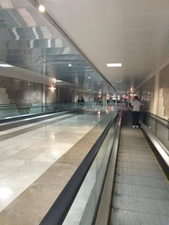 мраморные подземные переходы города