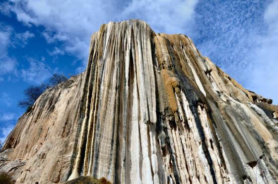 Каменные водопады